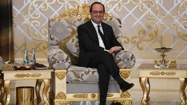 François Hollande luchará para salvar su orgullo tras despedirse del Elíseo