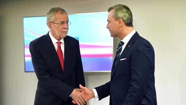 El populista Hofer y el verde Van der Bellen reanudan la pugna en Austria