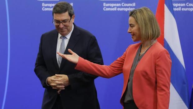 La Unión Europea normaliza sus relaciones con Cuba