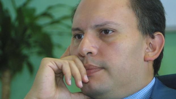 El exviceministro de Desarrollo Eléctrico de Hugo Chavez, Nervis Villalobos