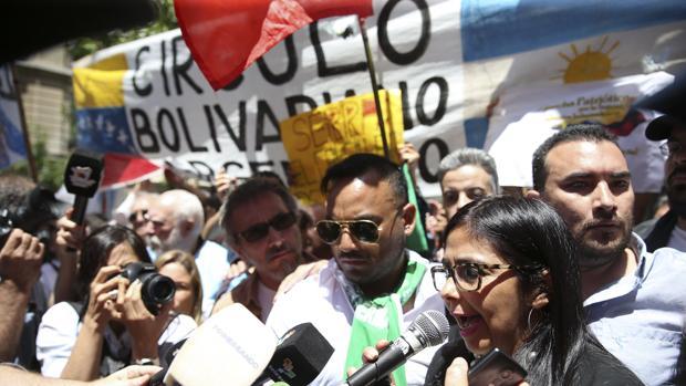 Delcy Rodríguez «monta un show» en Argentina en protesta por la salida de Venezuela de Mercosur