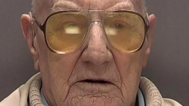 Ralph Clarke, un ex camionero de 101 años, condenado este lunes a 13 años de cárcel en Birmingham