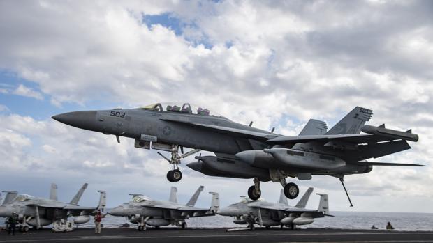 El «Ike» regresa a casa tras arrojar 1.220 bombas contra el Daesh en Siria e Irak