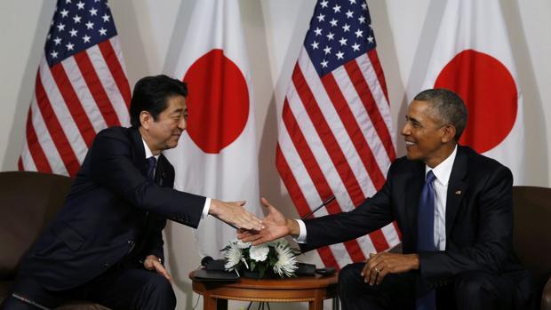Abe busca en su visita a Pearl Harbor anclar la alianza militar con EE.UU.