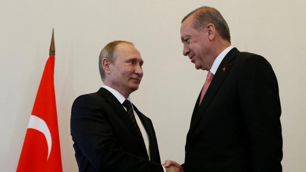 Turquía y Rusia pactan el alto al fuego en toda Siria