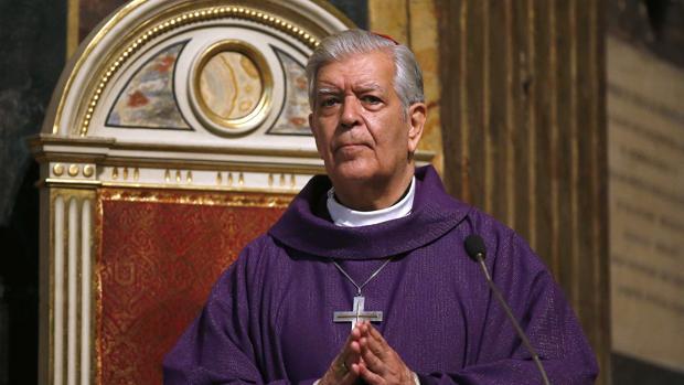 El cardenal Jorge Urosa celebra una misa en memoria de Hugo Chávez en Roma, en marzo de 2013