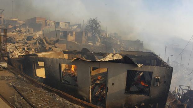 Chile activa los protocolos de emergencia a causa del incendio de Valparaíso