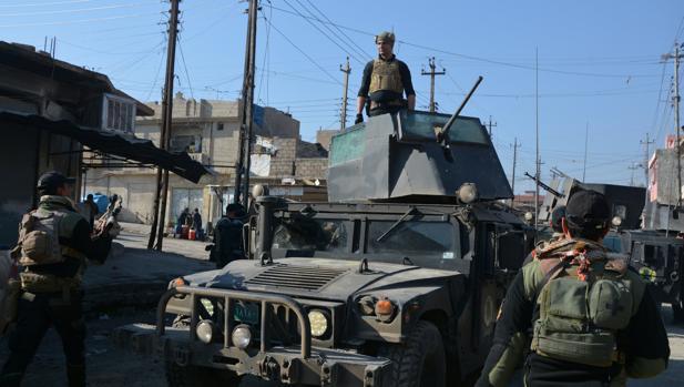 Soldados de las fuerzas especiales iraquíes en zona este de Mosul, durante la segunda ofensiva para reconquitar la ciudad y echar a Daesh