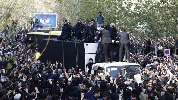 Cientos de miles de iraníes en el funeral del expresidente Rafsanyaní