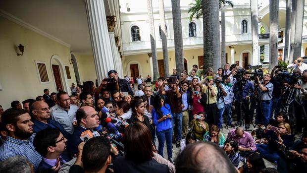 Maduro crea un «comando antigolpe» como brazo represor