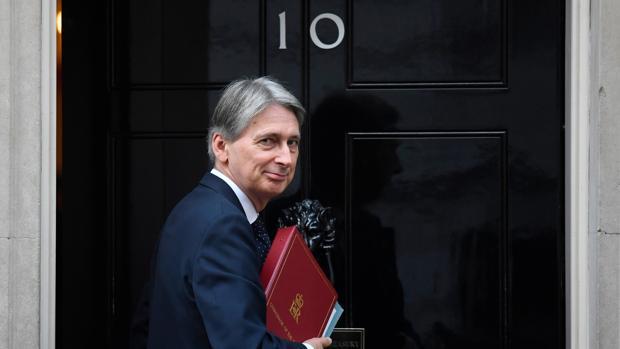 Philip Hammond, ministro de Economía británico, en el número 10 de Downing Street