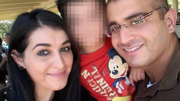 El FBI detiene a la mujer del autor de la matanza en la discoteca de Orlando