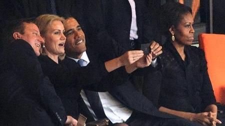 Durante el funeral de Nelson Mandela, Barack Obama se hizo este selfie con David Cameron y Helle Thorning-Schmidt