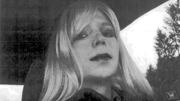 Manning, la analista que sacó los colores a EEUU, logra la libertad
