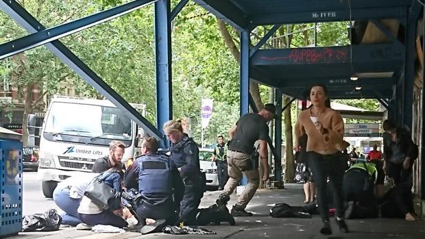 Mueren tres personas y varias resultan heridas tras ser arrolladas por un vehículo en el centro de Melbourne