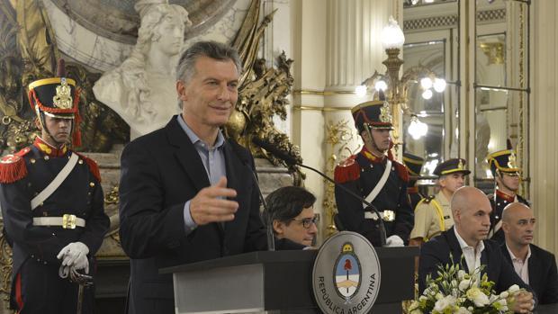 Macri le mete la tijera a los días festivos