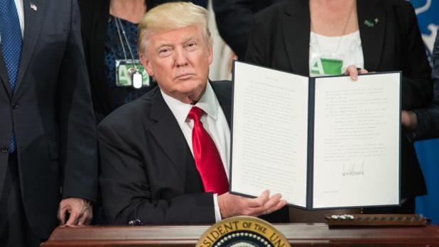 Trump avisa a Peña Nieto: «Si México no va a pagar el muro es mejor que cancele su visita oficial»