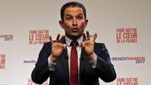 Hamon y Valls pugnan por la candidatura socialista en un partido dividido
