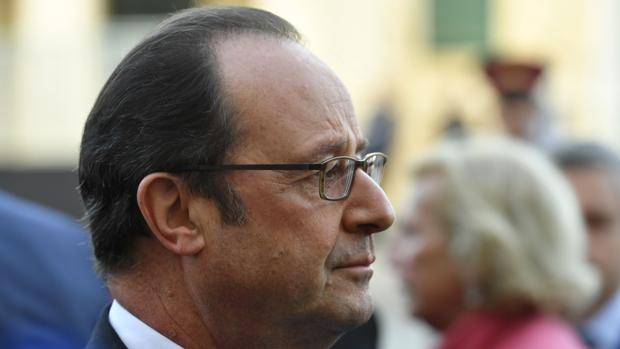 Hollande pide en la UE definir una postura común ante Trump