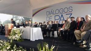 El Gobierno de Colombia y el ELN comienzan las negociaciones de paz en Quito