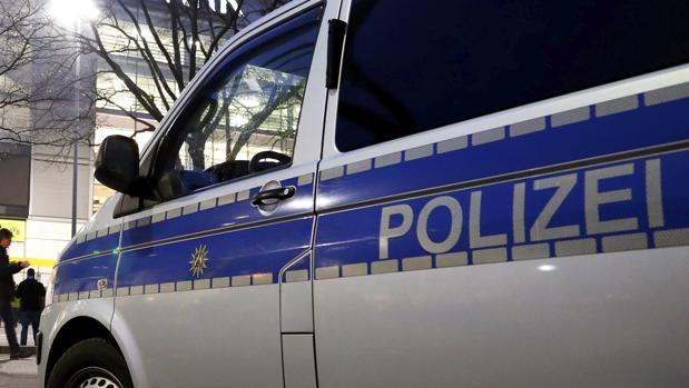 Imagen de archivo de coche de policía en Alemania