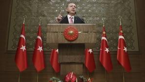 Turquía destituyó a tres diplomáticos y un militar con destino en España