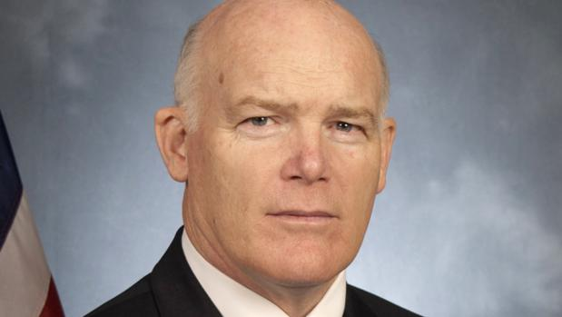 El director del Servicio Secreto de EE.UU. anuncia su retirada