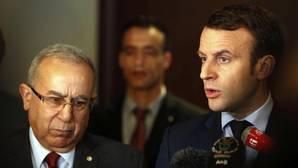 Macron denuncia que el Kremlin sigue difundiendo falsedades