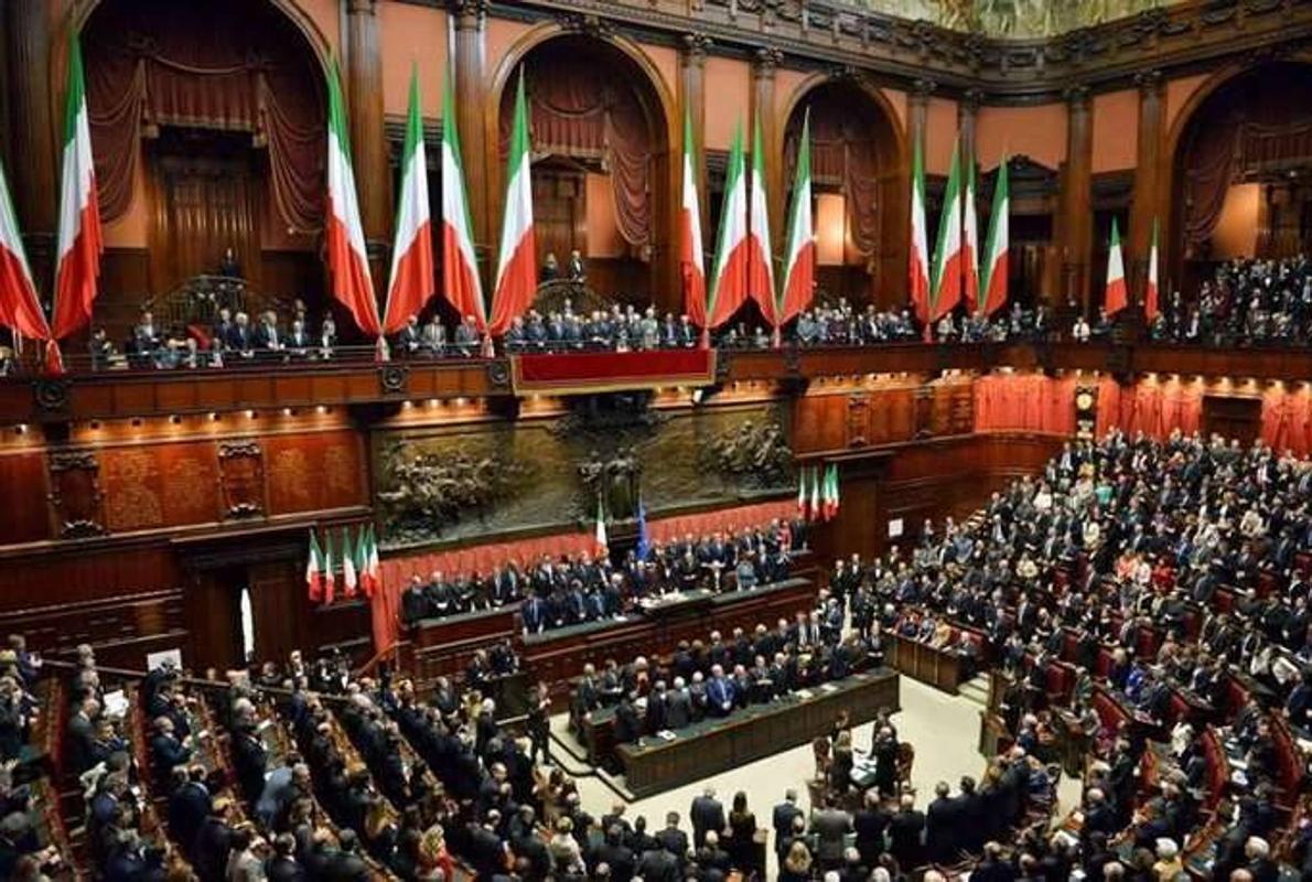 R cord de transfuguismo en italia 396 parlamentarios for Concorsi parlamento italiano 2017