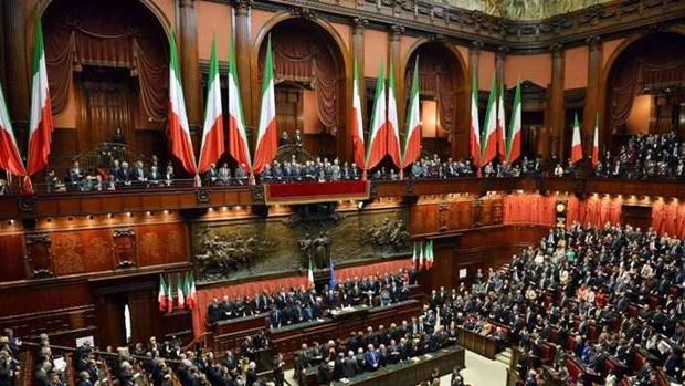 Récord de transfuguismo en Italia: 396 parlamentarios cambian de grupo