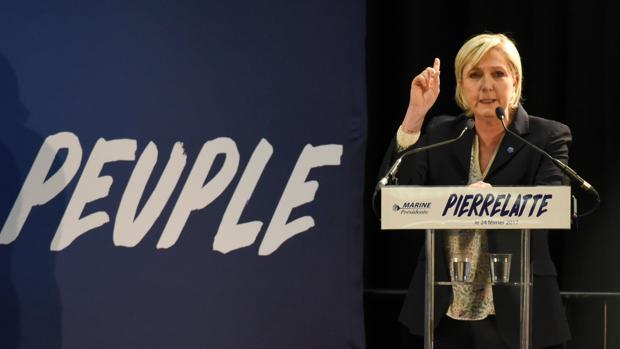 Marine Le Pen, durante un mitin este viernes en Pierrelatte (centro-este de Francia)