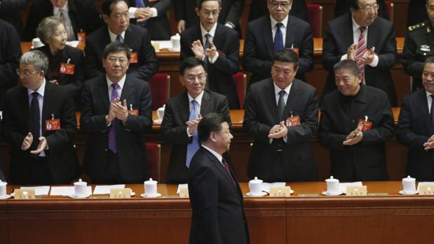 El presidente chino, Xi Jinping (centro), durante la inauguración de la sesión del 12 Comité Nacional de la Conferencia Consultiva Política del Pueblo Chino, en el Gran Salón del Pueblo en Pekín