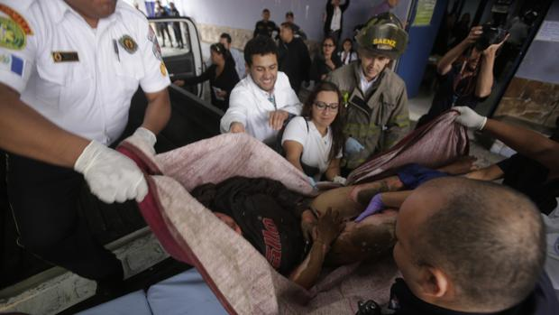 Hemeroteca: Mueren al menos 21 niñas en el incendio de un orfanato en Guatemala | Autor del artículo: Finanzas.com
