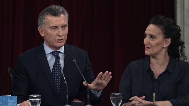 Hemeroteca: Hallan 64.000 pastillas de éxtasis en el vuelo de regreso de Mauricio Macri | Autor del artículo: Finanzas.com