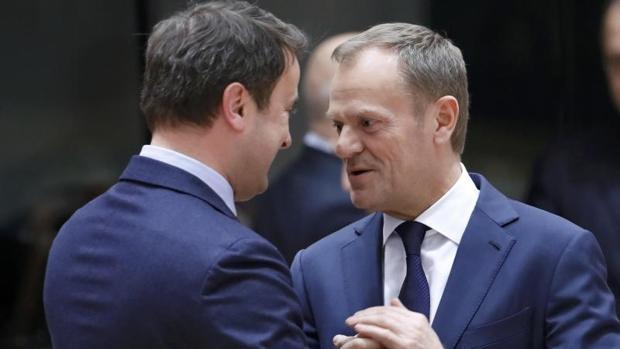 La UE desaira a Polonia y reelige a Tusk como presidente del Consejo