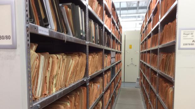 Tras la caída del Muro, lograron ser preservados archivos de la Stasi que ocuparían 111 kilómetros