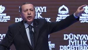 Turquía suspende todos los contactos diplomáticos a alto nivel con Holanda