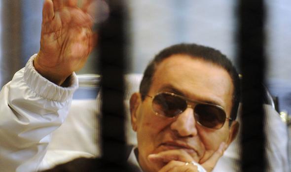 El expresidente egipcio Hosni Mubarak, limpio de cuentas con la justicia, volverá a casa esta semana