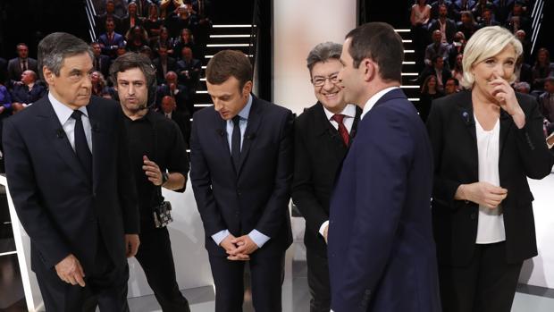 Cinco de los once candidatos al Elíseo, en televisión para el debate presidencial