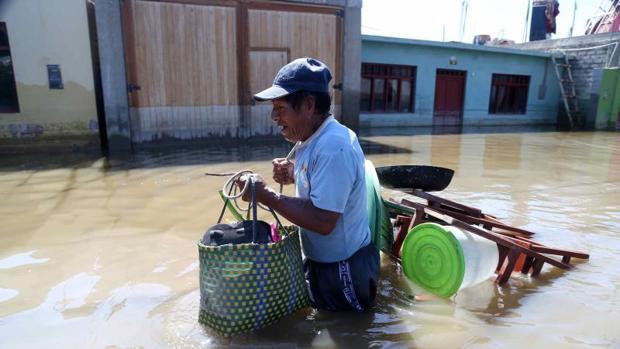 Cerca de un centenar de muertos por los desastres naturales del «Niño Costero» en Perú