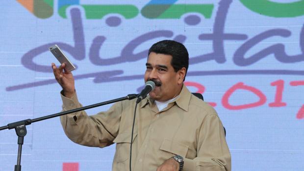 El presidente de Venezuela, Nicolás Maduro, hablando durante un acto con simpatizantes