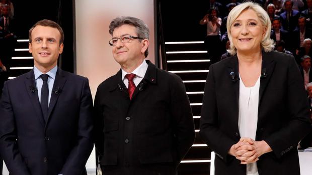 Los sondeos vaticinan una fuerte subida de la extrema derecha e izquierda en la primera vuelta en Francia