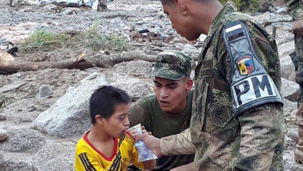 Colombia busca a centenares de desaparecidos por las riadas