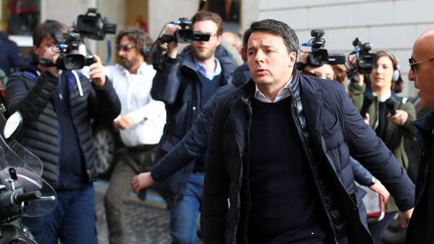 Matteo Renzi gana las primarias en el Partido Democrático italiano