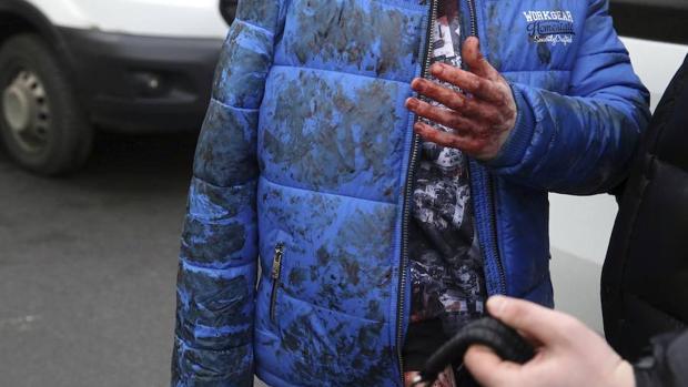 Una persona herida después del atentado en el metro de San Petersburgo