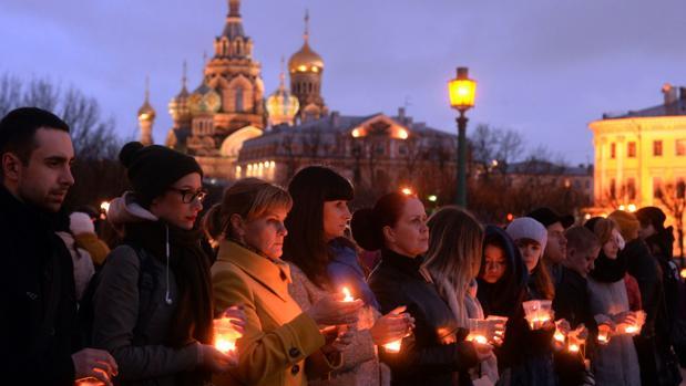 Homenaje a las víctimas del ataque en el metro de San Petersburgo