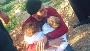 El padre de los gemelos muertos en el ataque químico en Siria apoya el bombardeo de Trump