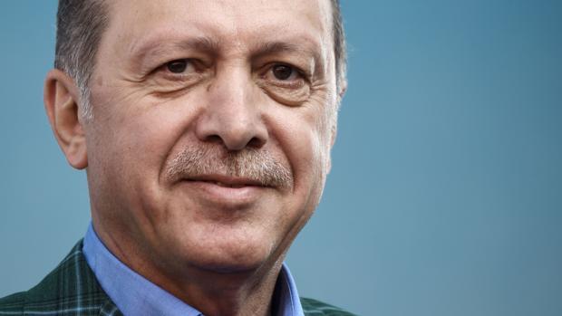 Los turcos votan en referéndum si entregan el poder absoluto a Erdogan