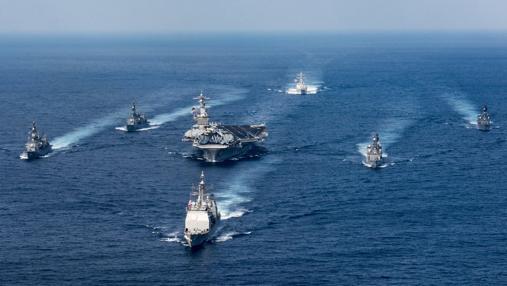 El Carl Vinson y su escolta, rumbo al Mar de Japón