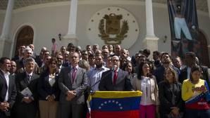 Diputados opositores han pedido a la Fuerza Armada Nacional Bolivariana que permita la marcha opositora de mañana